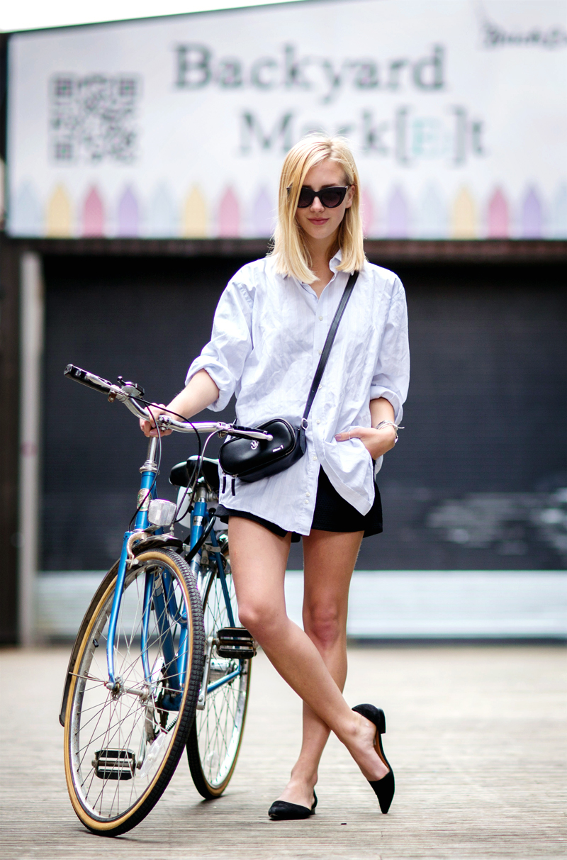 Sarah-Mikaela-wearing-oversized-vintage-mens-shirt-black-flared-shorts-ballerina-sandals